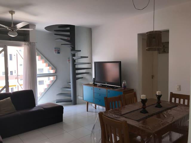 Cobertura Duplex Enseada 3 quartos e 3 banheiros