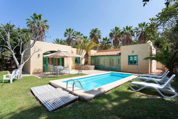 Villa St Tropez, Piscina Climatizada, vista Mar