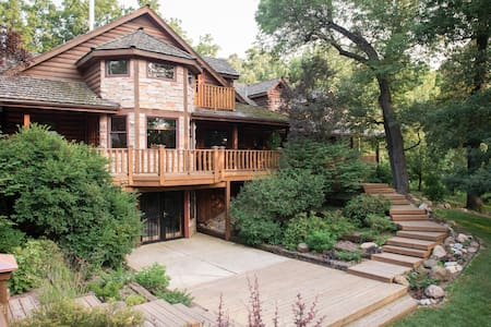 Secluded Rustic Lodge with Pool & Spa, 6 Bedrooms - Monroe Center - Haus