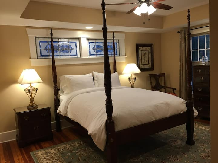 Bay Street Inn, Luxury Room 2D - Queen