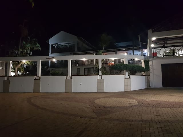 INGWE Manor Bed and Breakfast