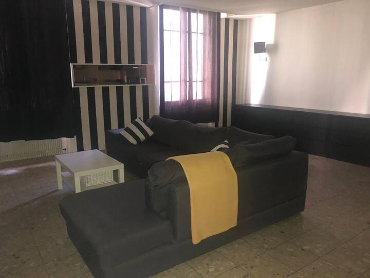 Appartement 90m2 place Jean Jaurès WIFI