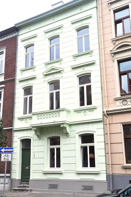 denkmal stadthaus apartment flats for rent in aachen nordrhein westfalen germany. Black Bedroom Furniture Sets. Home Design Ideas