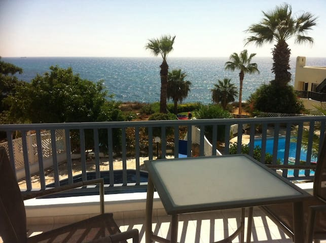 Queens Bay Villa Paphos - Kissonerga - 別荘