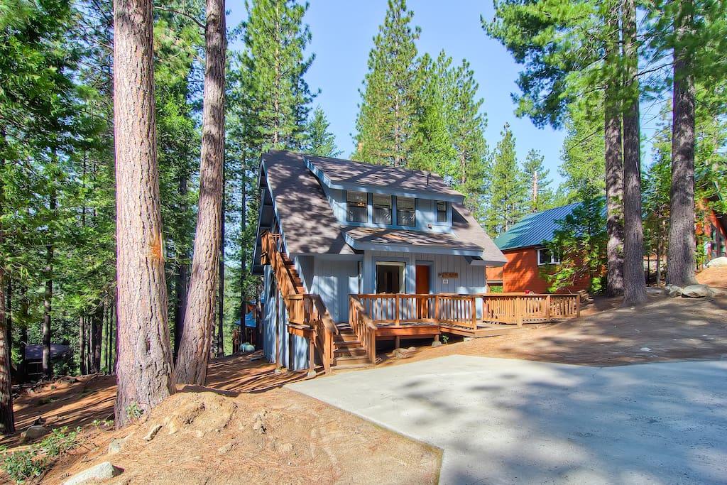 Yosemite 39 s pinetree retreat case in affitto a parco for Cabine di alloggio del parco nazionale di yosemite