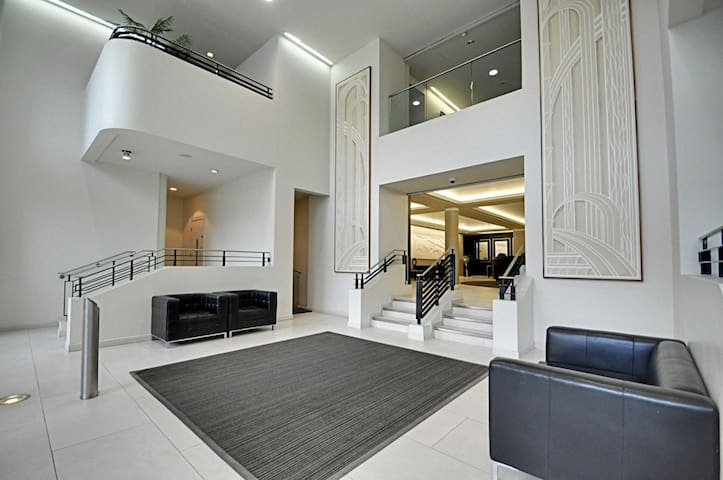 Penthouse-style apartment near Chiswick - Brentford - Appartement
