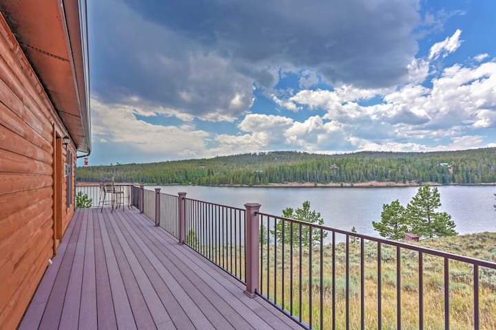 Rare Waterfront 2BR Crystal Lakes Home w/Lake & Mtn Views! - Red Feather Lakes - House