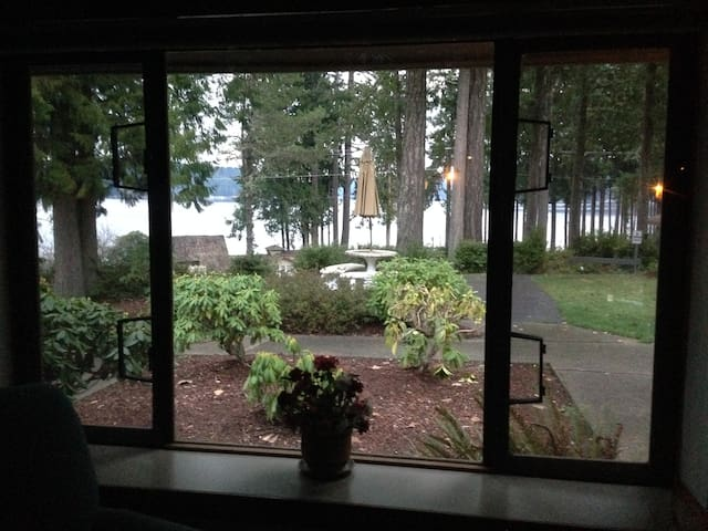 Cozy, Quiet and Peaceful with Beach & Dock Access - Union - Osakehuoneisto