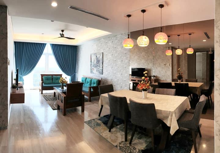 LUXURIOUS  SEAVIEW PRIVATE MARINA CONDO 高级酒店式公寓