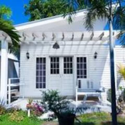 Белый дом Gili Air Villa 3