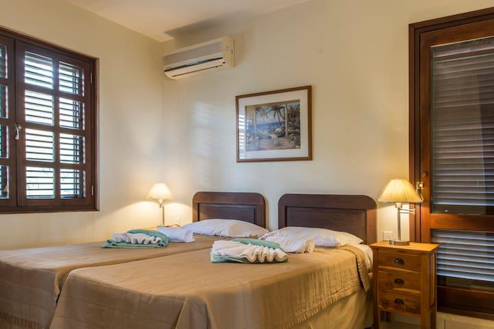 Blue Bay Beach Curacao- Beach Villa - Talo
