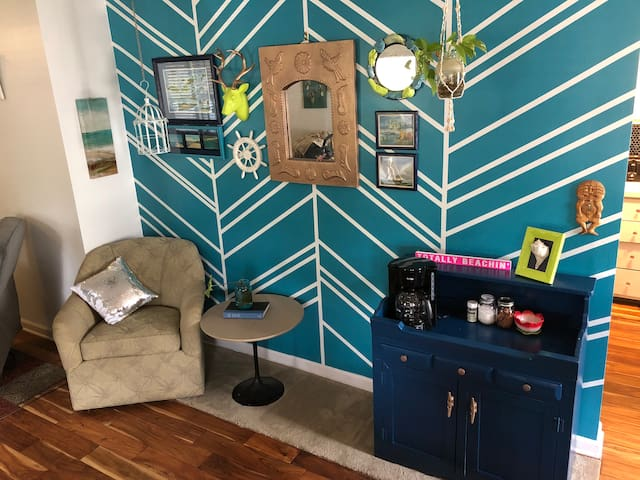 Prepare yourself for a long beach day at our coffee bar and reading nook