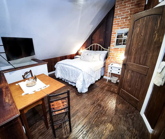 Aaron Attic, comfy double bed, private bathroom with custom shower, sitting area, keypad entrance, loft, upstairs