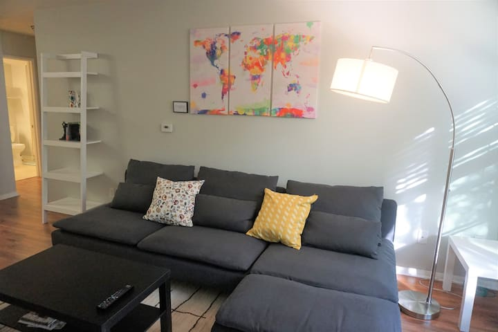 SD-Little Italy Furnished Condo - Secure Parking