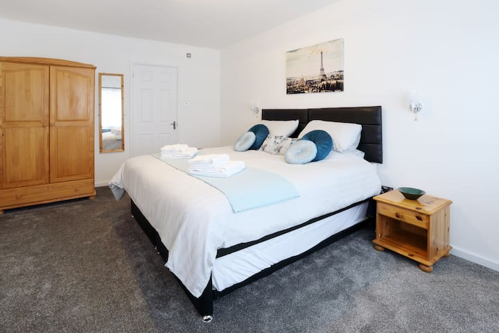 Quiet, safe, walk to MK station. - Loughton - Serviced apartment