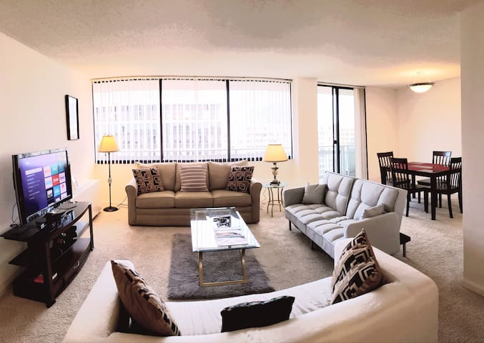 MesmerizingHighrise2bedroom2bathroom&metro&parking