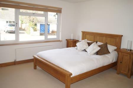 En-Suite Double Room in Croyde - Croyde - Bed & Breakfast