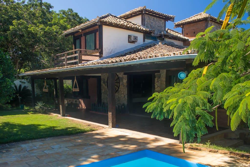 Confortable casa con desayuno bed and breakfasts en for Alquiler de casas con piscina privada que admiten perros