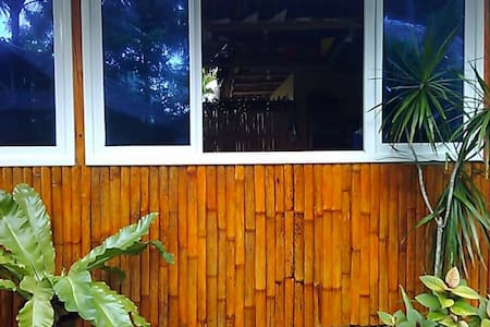 Airconditioned Cottage Stop over to Gigantes Islan