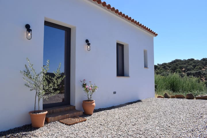 Casa de Campo (Ecological Off-Grid Farmhouse)