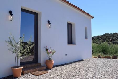 Casa de Campo (Ecological Off-Grid Farmhouse)