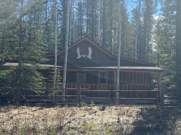Cabin in Toad River British Columbia, Canada