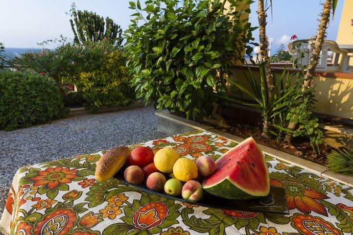 Villa Bel Tramonto  w/Infinity pool!
