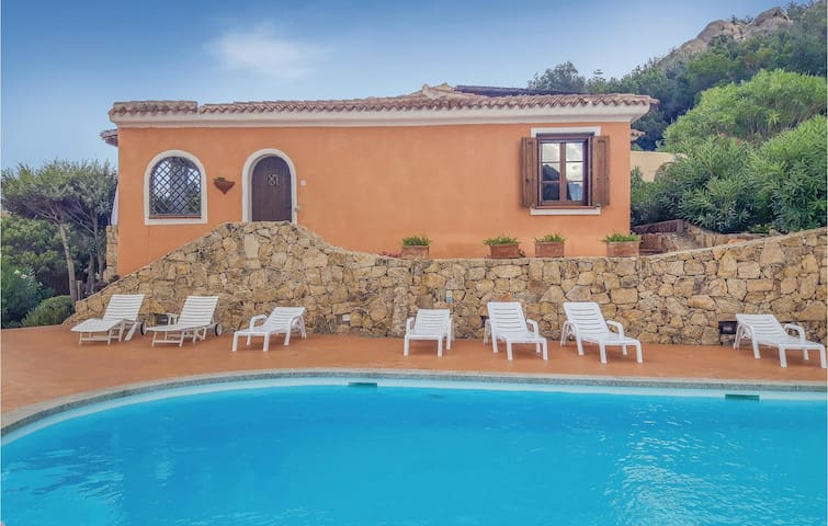 Holiday apartment with 2 bedrooms on 85m² in Porto Cervo