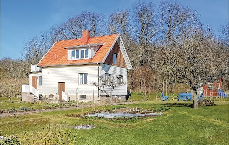 Holiday cottage with 3 bedrooms on 100m² in Mörbylånga