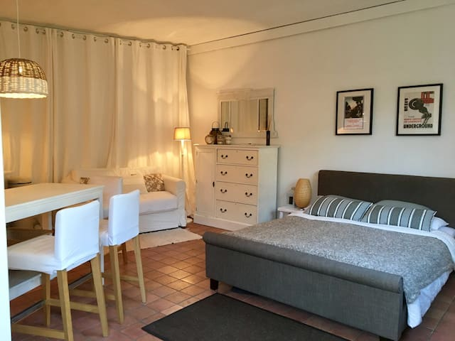 Cosy self-contained Guesthouse - Heemstede