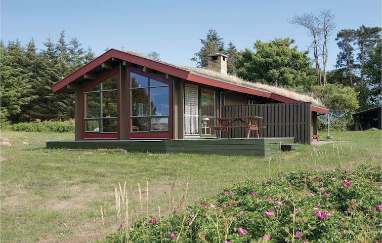 Holiday cottage with 2 bedrooms on 79m² in Hjørring