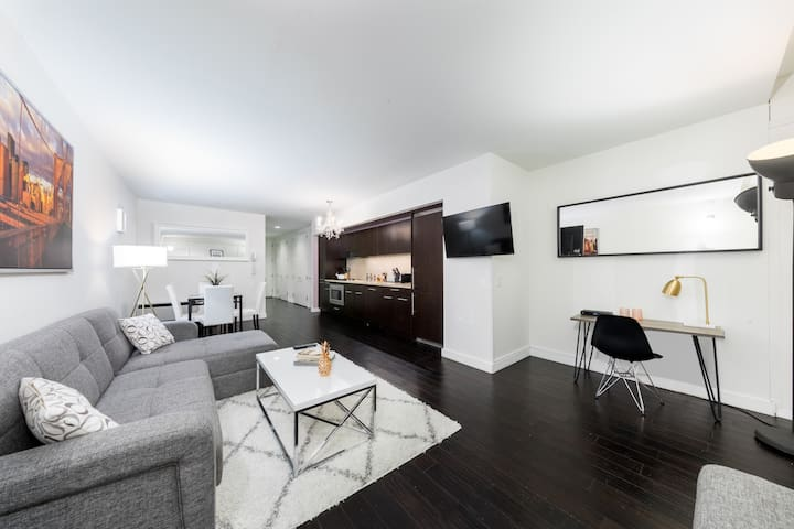 Huge and Bright Apartment on Wall Street