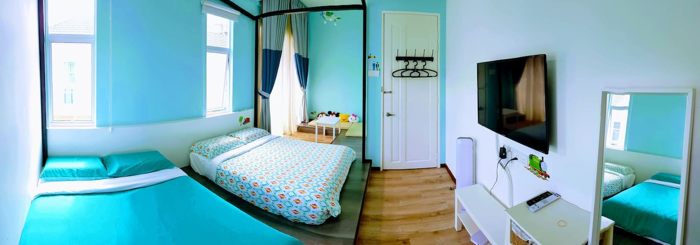 FOR THE KIDS! Quality room in Golden Hills (2)