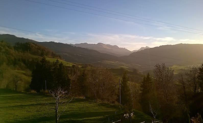 charmante Ferienwohnung in Guggisberg