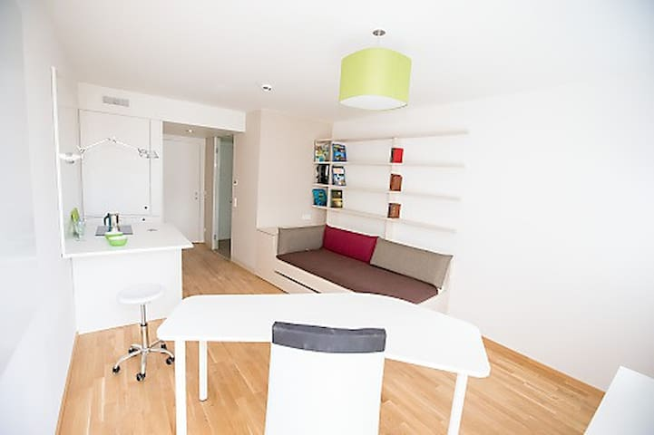 Modern Studio near Prater, 2min to Underground - Wenen - Appartement
