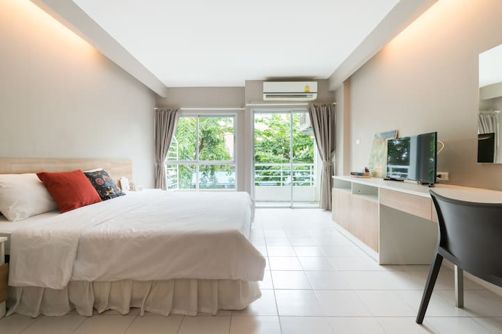 Cozy Clean Studio room Apartment - Soi Chinnakhet1