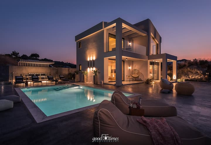Sueño Luxury Villa
