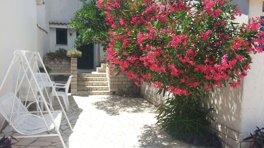 Spacious studio apartment in Omisalj, Krk