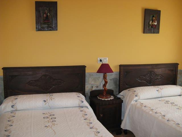 Apartamento Rural Casa El Caminero (4 plazas) - Meras - Leilighet