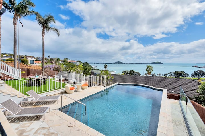 ✧Luxury Villa w Views of the America's Cup Route✧
