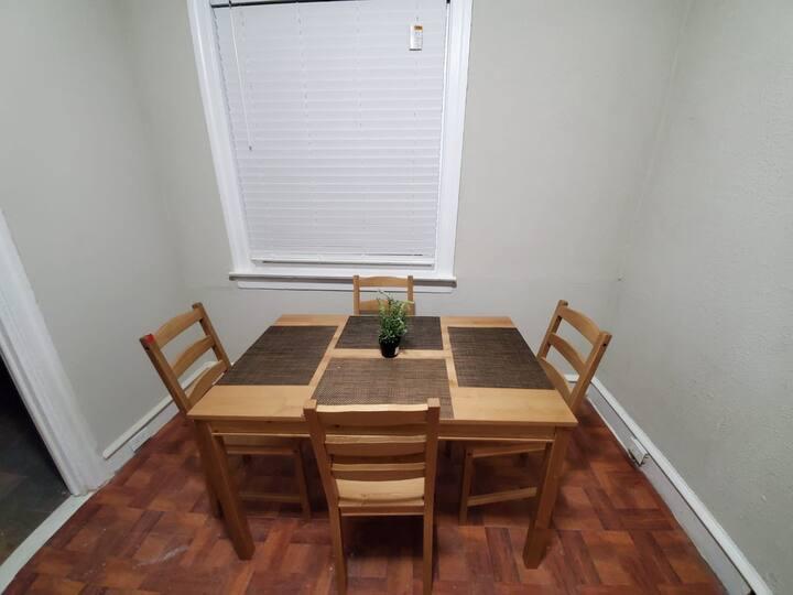 ✤Sleeps 4 | Kitchen | Fast Wifi | No STAIRS ✤