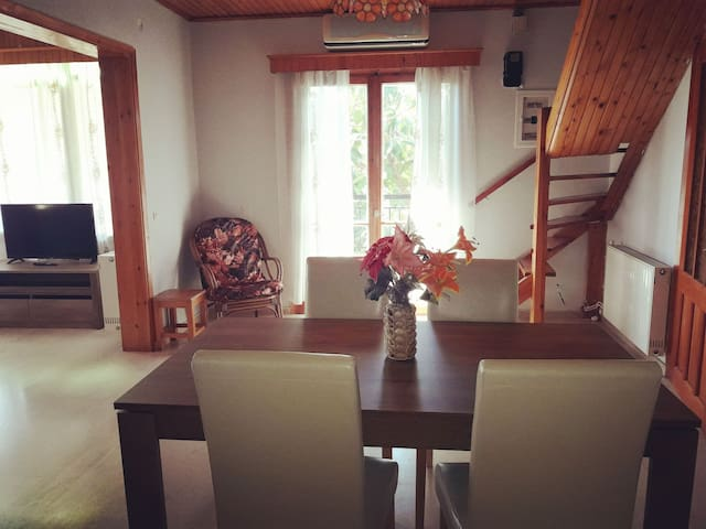 Komnino's Traditional House
