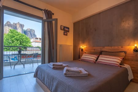 Kalambaka center apartment with Meteora View