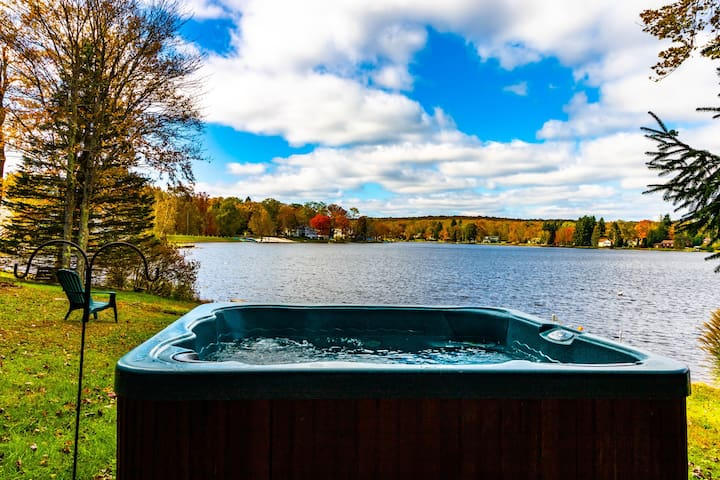 Lakefront Paradise in the Poconos!!