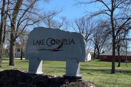 2 bedroom condo at Lake Cornelia