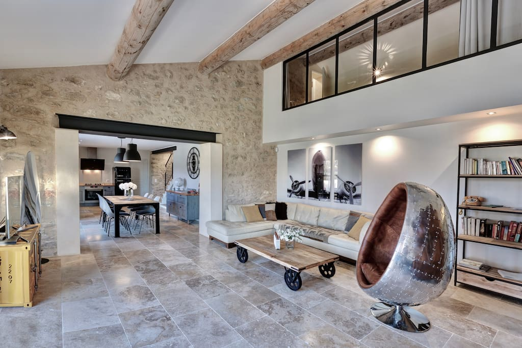 Industrial aviation living room athmosphere