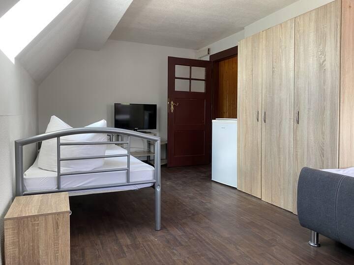 Zimmer in Wackersdorf für drei Personen (WA115)