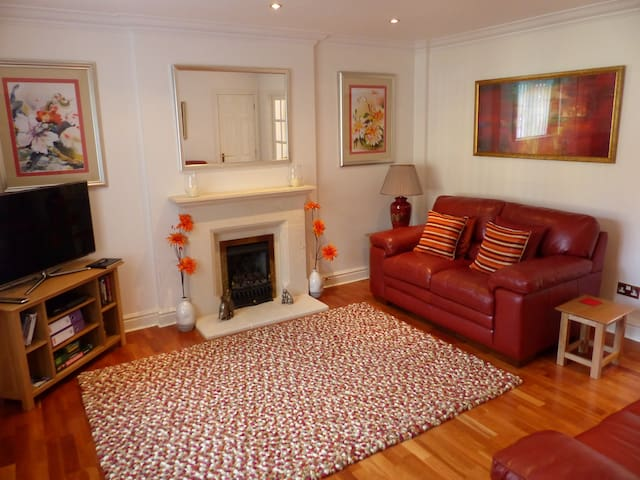 New! Romantic Retreat in Cosy Cotswold Bolthole - Toddington - Casa