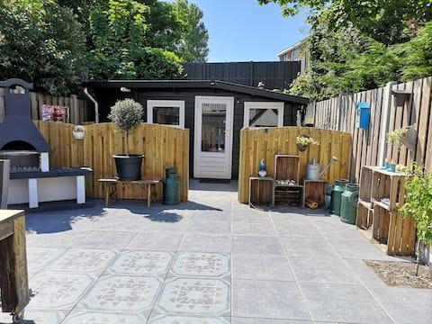 Schönes privates Gartenstudio in Zandvoort