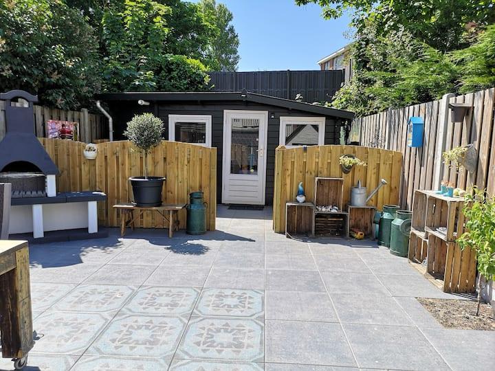 Lovely private garden studio in Zandvoort